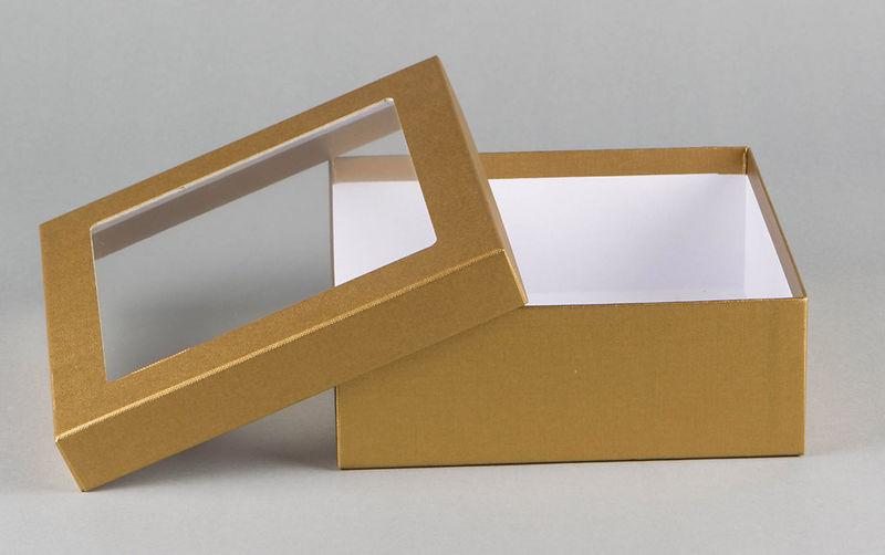 st lpdeckelkarton mit sichtfenster hertel kartonagen. Black Bedroom Furniture Sets. Home Design Ideas